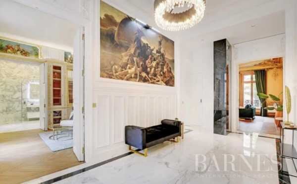 Appartement Paris 75008  -  ref 5856872 (picture 3)