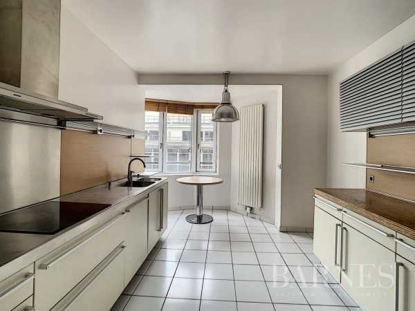 Appartement Paris 75008  -  ref 5838856 (picture 2)