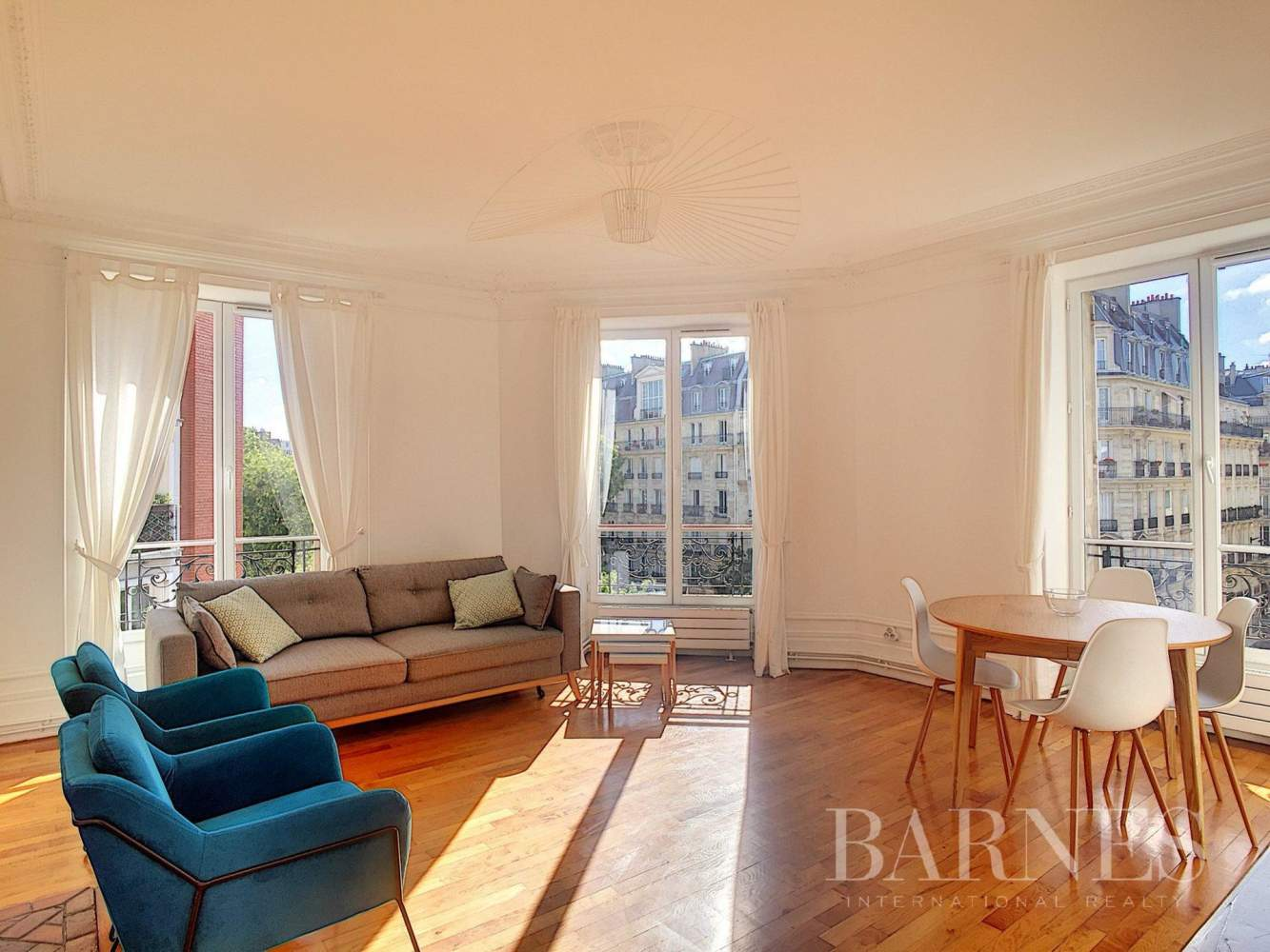 Paris  - Apartment 3 Bedrooms - picture 1