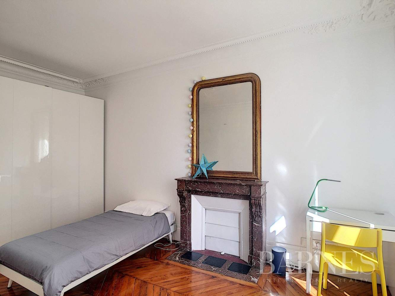 Paris  - Apartment 3 Bedrooms - picture 11