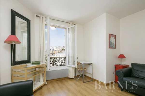 Appartement Paris 75018  -  ref 5994921 (picture 2)