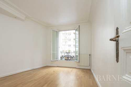 Apartment Paris 75018  -  ref 2651206 (picture 2)