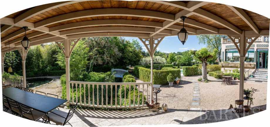 Montignac  - Maison de village 10 Pièces