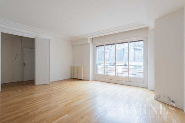 Appartement Paris 75008  -  ref 4930457 (picture 2)