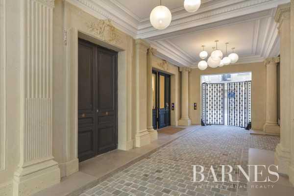 Apartment Paris 75008  -  ref 4377453 (picture 1)