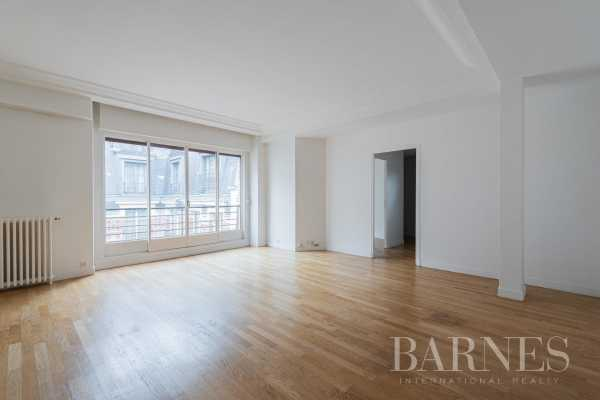 Appartement Paris 75008  -  ref 4930457 (picture 1)
