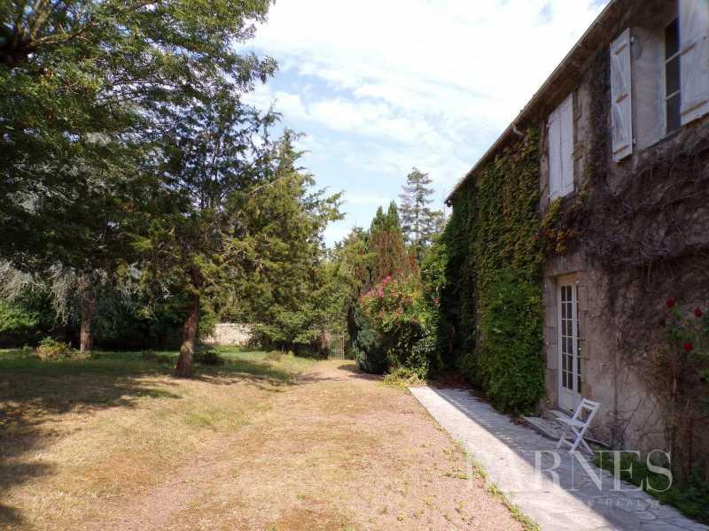 Challans  - Maison 16 Pièces 5 Chambres