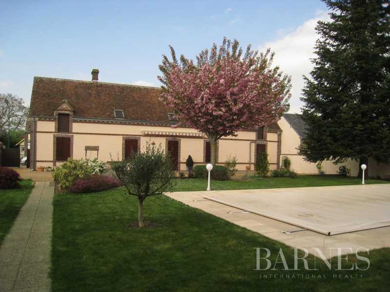 Brou  - Maison de village 9 Pièces