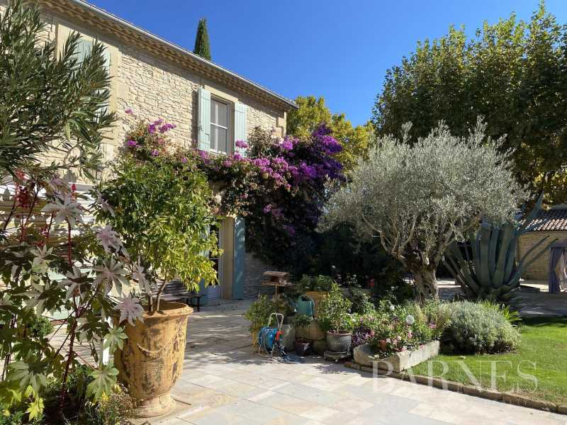 Nîmes  - Mas 10 Pièces 11 Chambres