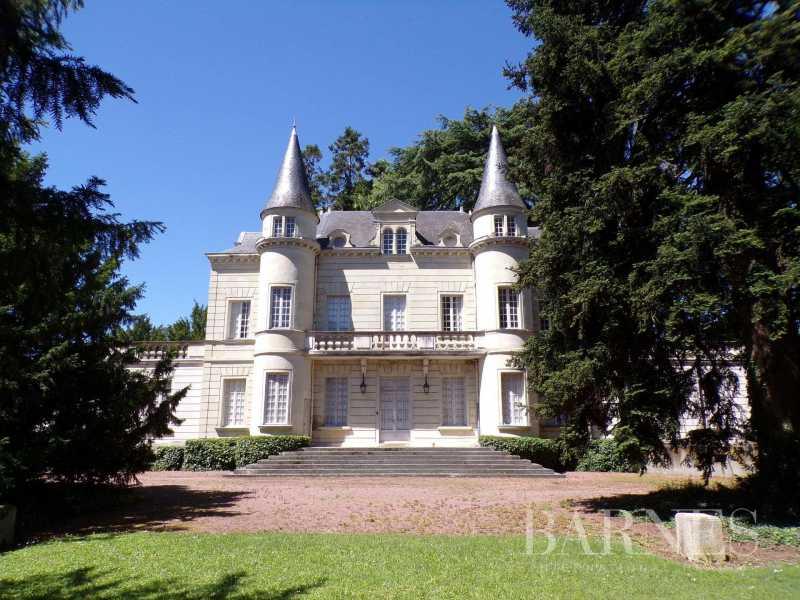 Château Doué-en-Anjou