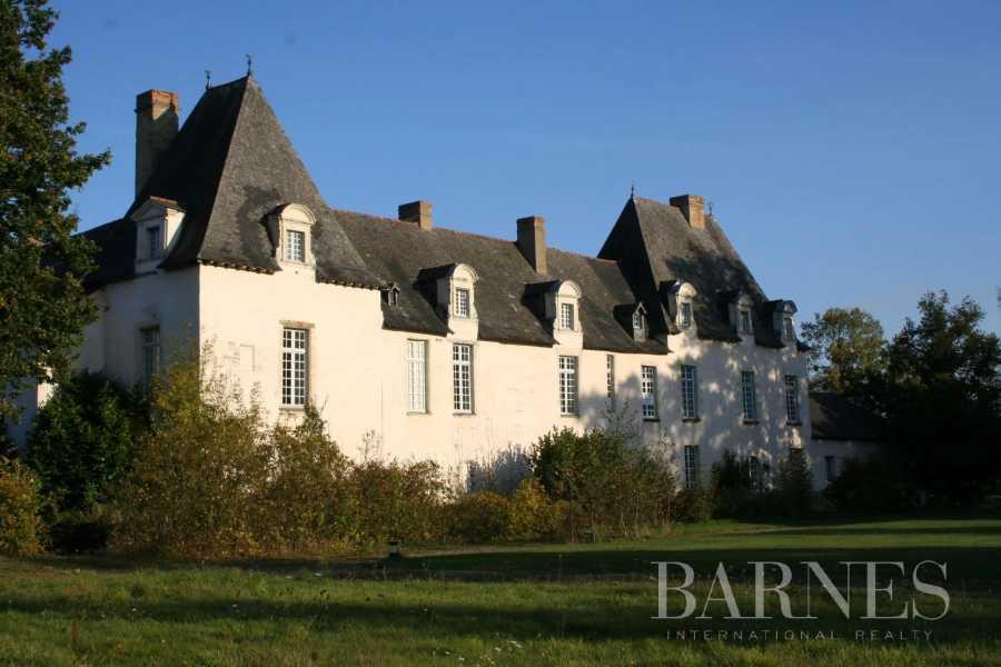 Rennes  - Manoir 28 Pièces 10 Chambres