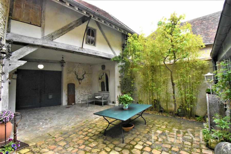 Montfort-l'Amaury  - Maison 13 Pièces 4 Chambres
