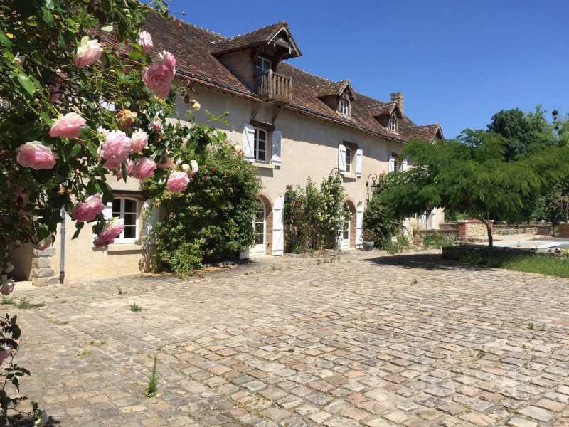 Nogent-le-Roi  - Moulin 30 Pièces