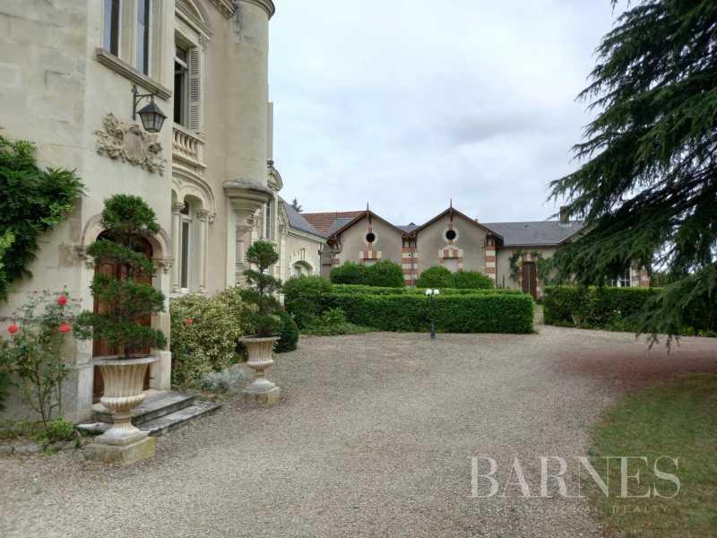 Thouars  - Château 12 Pièces 7 Chambres