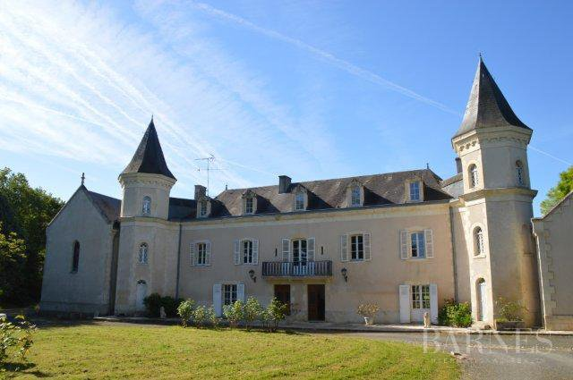 Saint-Savin  - Château 8 Pièces 5 Chambres