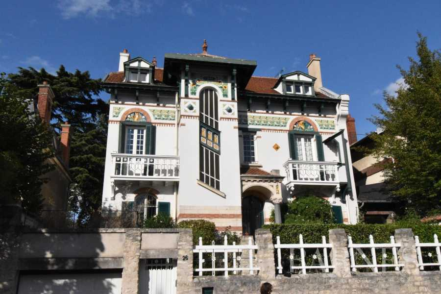 Mantes-la-Jolie  - Maison 10 Pièces 6 Chambres