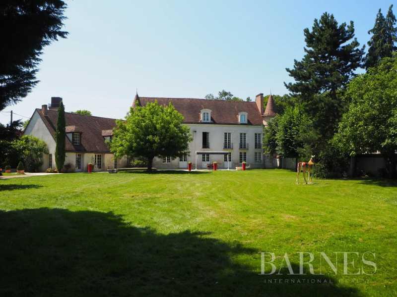 Orléans  - Propriété 12 Pièces 7 Chambres