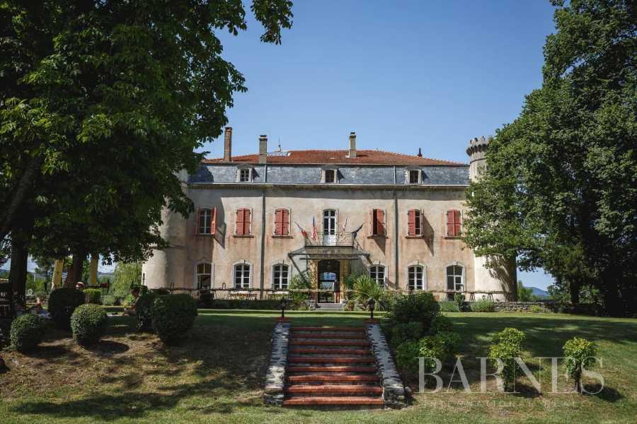 Privas  - Château 20 Pièces