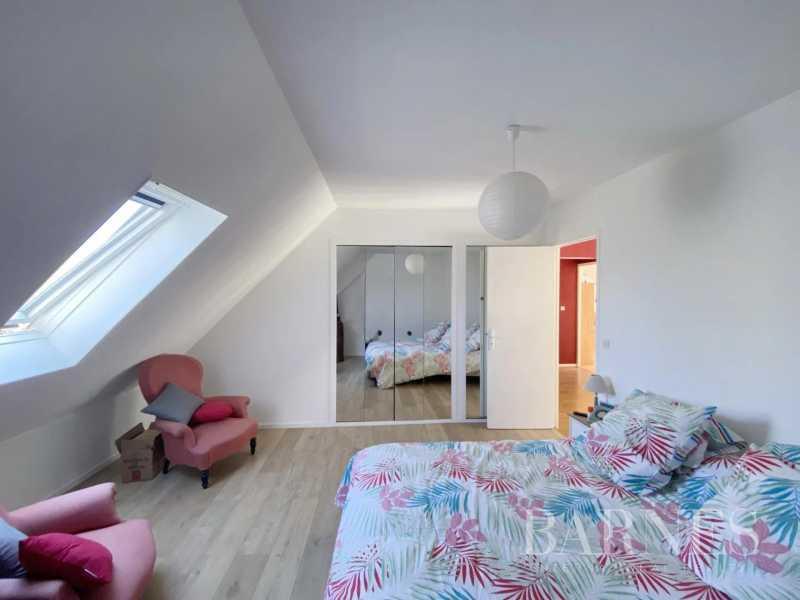 Bourges  - Maison 8 Pièces 5 Chambres