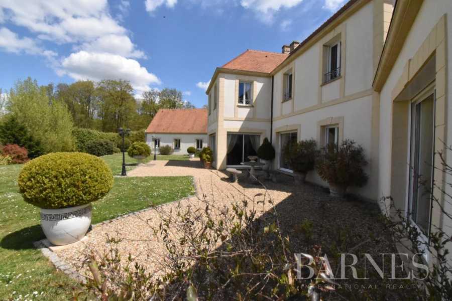 Pacy-sur-Eure  - Maison 10 Pièces 5 Chambres