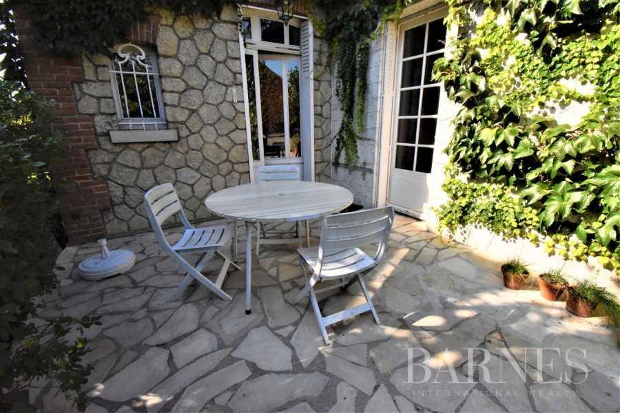 Mantes-la-Jolie  - Maison 12 Pièces 6 Chambres