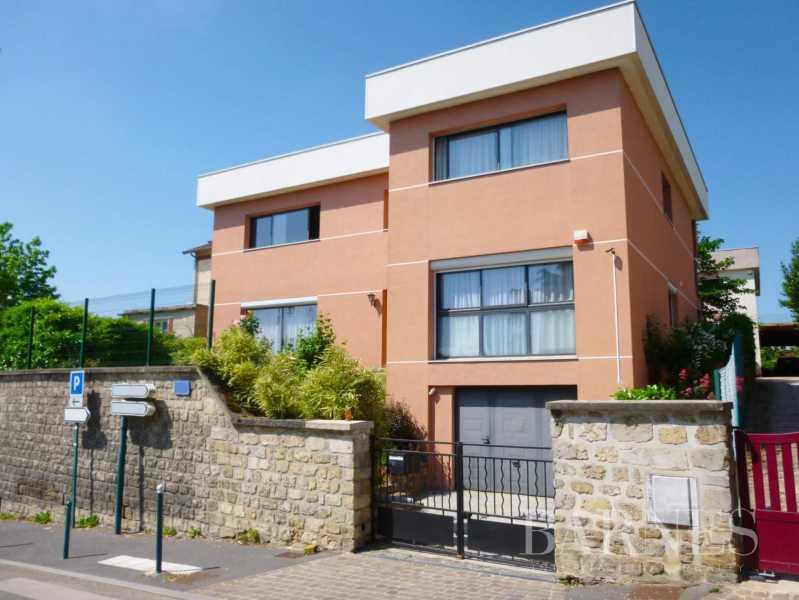 Pontoise  - Maison 10 Pièces 5 Chambres