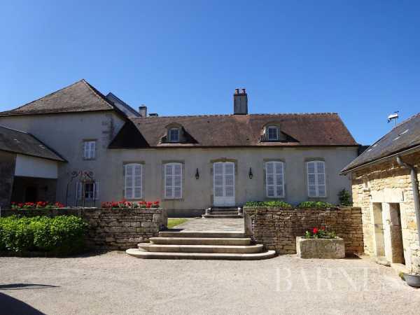 Village house Mont-Saint-Jean  -  ref 3929329 (picture 1)