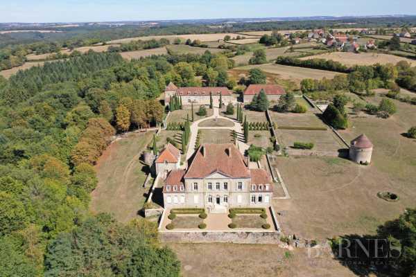 Château Avallon  -  ref 2943507 (picture 1)