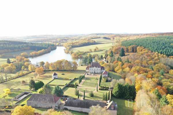 CHATEAU, AVALLON - Ref 2943507