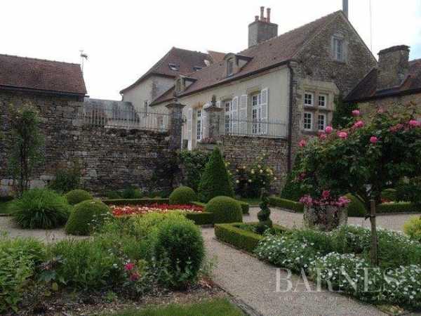 Village house Mont-Saint-Jean  -  ref 3929329 (picture 3)