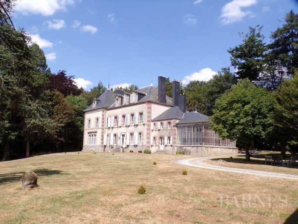 Castillo Pouzauges  -  ref 2638929 (picture 1)