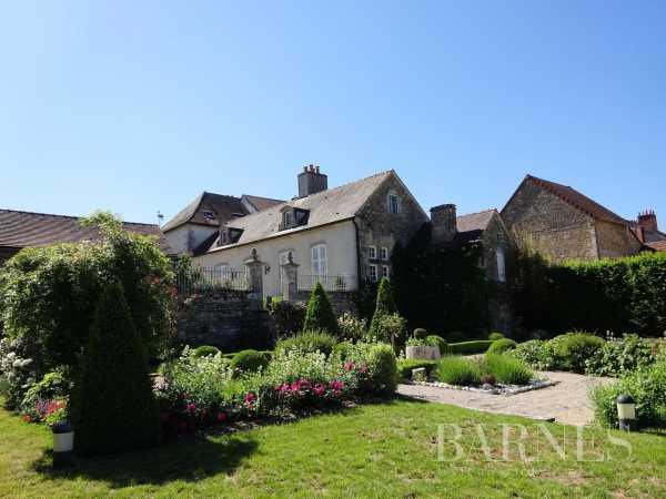 Village house Mont-Saint-Jean  -  ref 3929329 (picture 2)