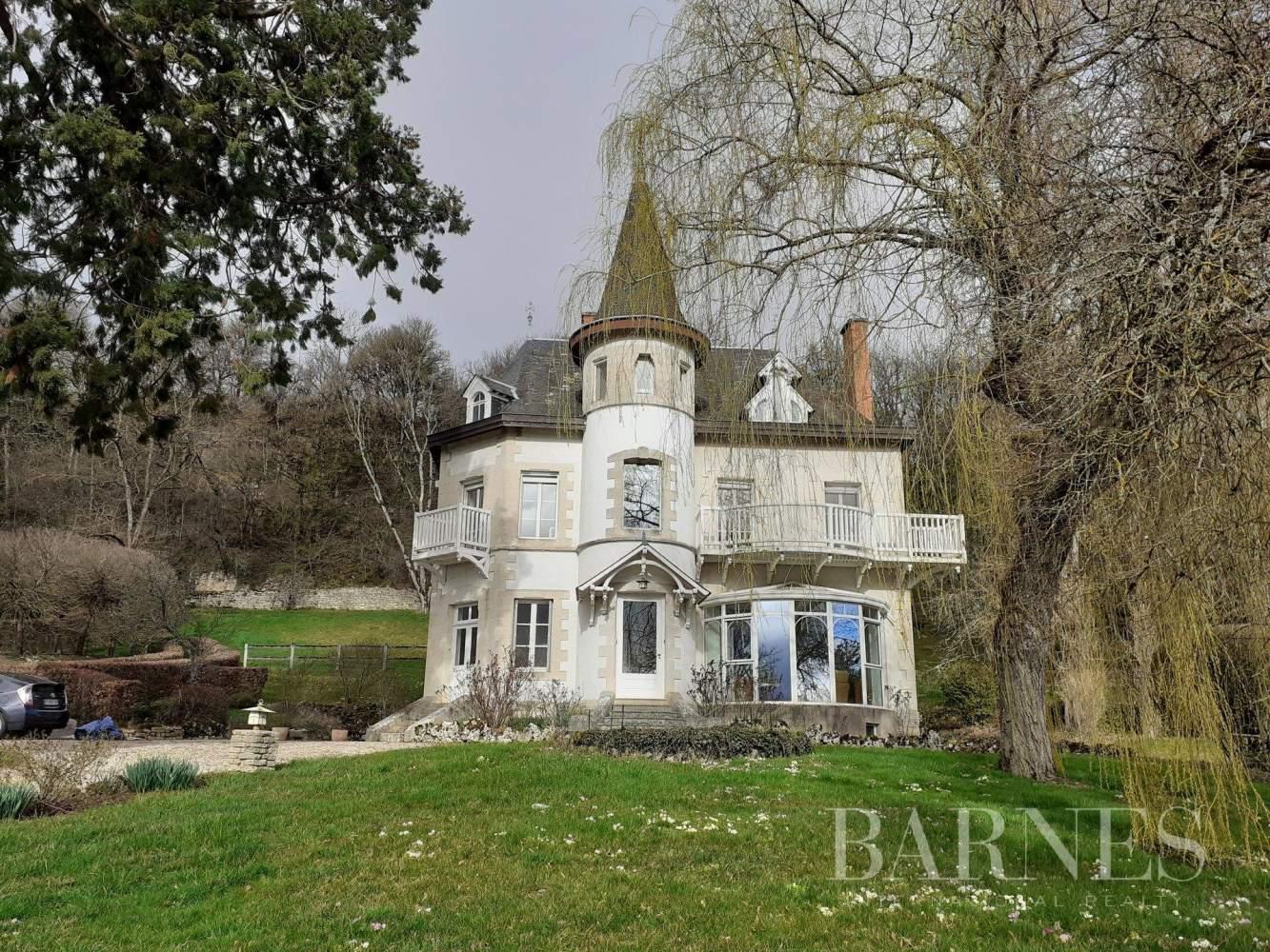 Saulieu  - Maison 9 Pièces 5 Chambres - picture 2