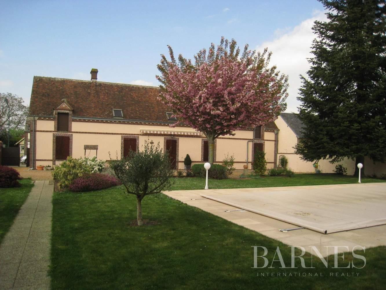 Brou  - Maison de village 9 Pièces - picture 2