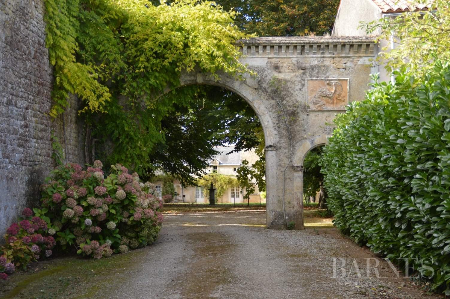 La Châtaigneraie  - Château 15 Pièces 9 Chambres - picture 7