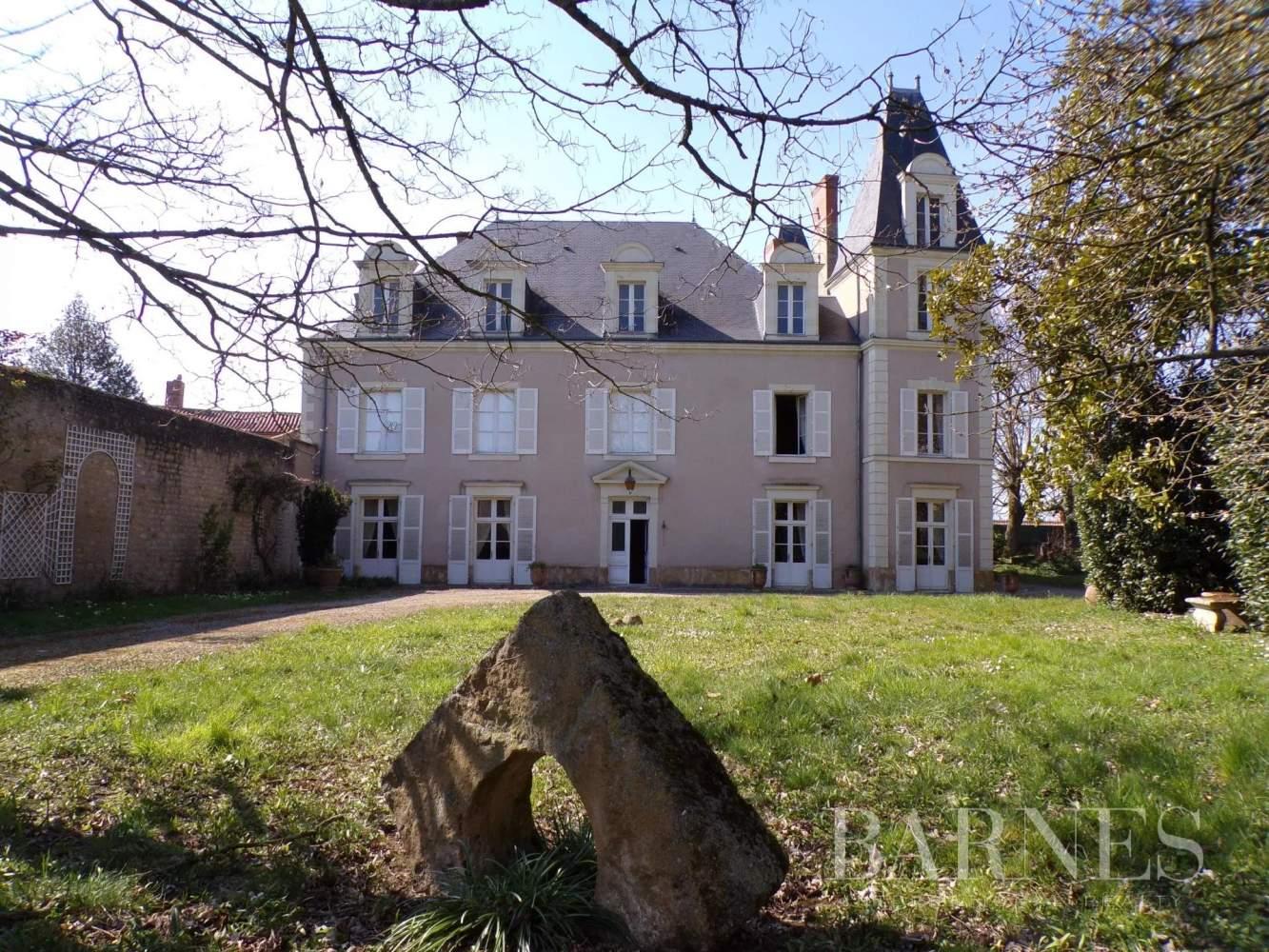 Thouars  - Maison 15 Pièces - picture 2