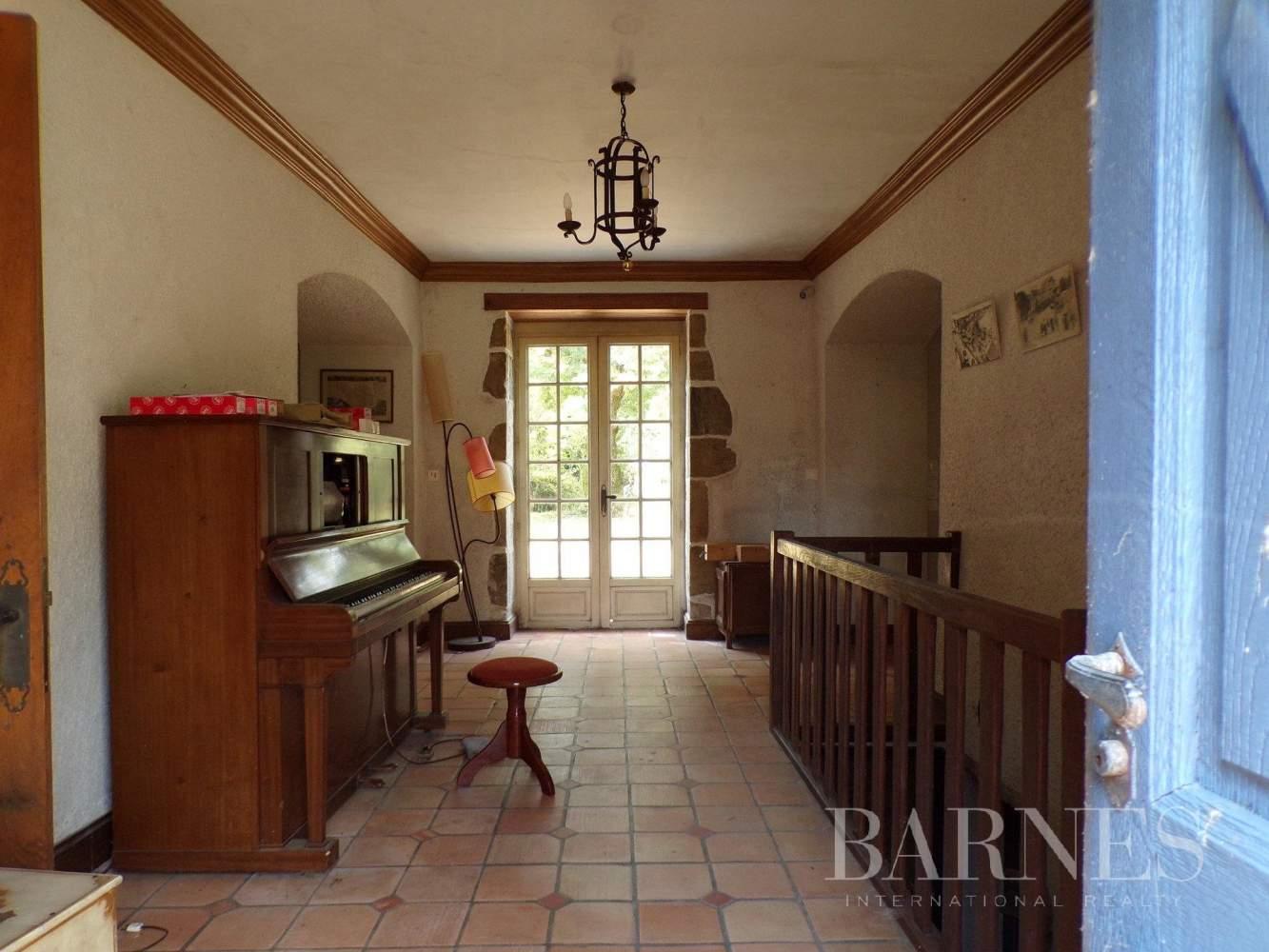 Challans  - Maison 16 Pièces 5 Chambres - picture 8