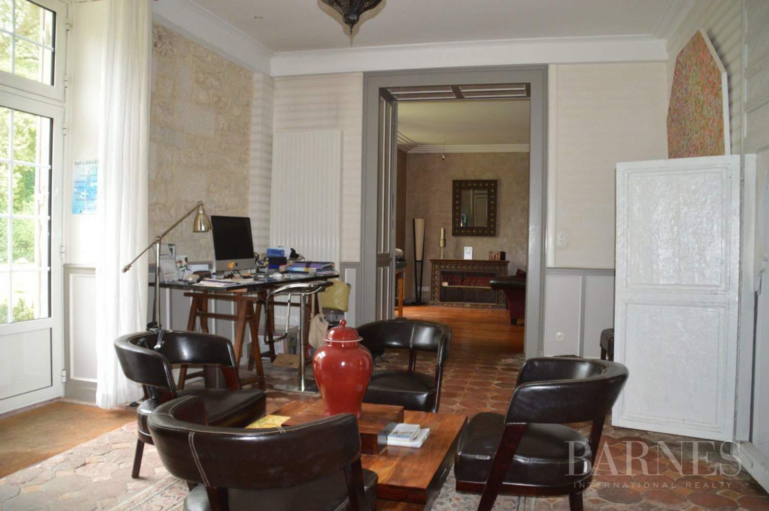 Niort  - Propriété 14 Pièces 8 Chambres - picture 11