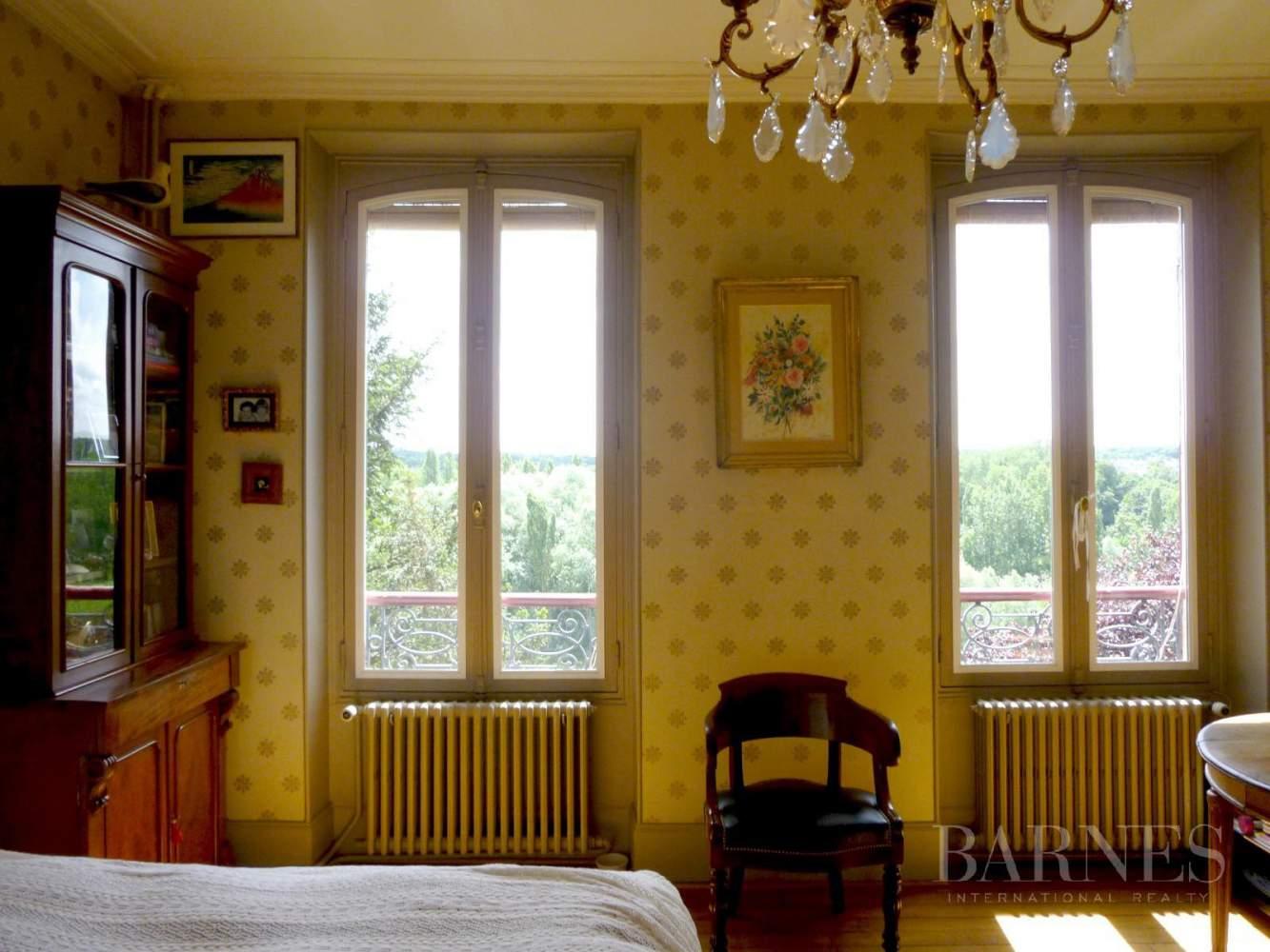 AUVERS SUR OISE  - Maison 8 Pièces 5 Chambres - picture 13