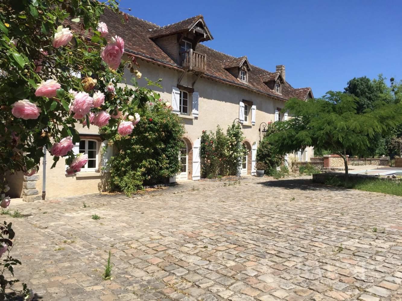Nogent-le-Roi  - Moulin 30 Pièces - picture 2