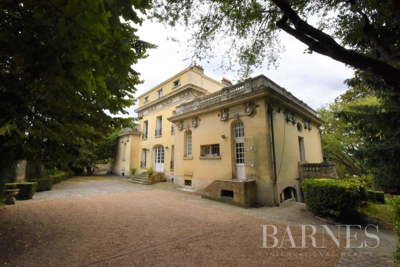 Orgeval  - Maison 17 Pièces 8 Chambres - picture 1