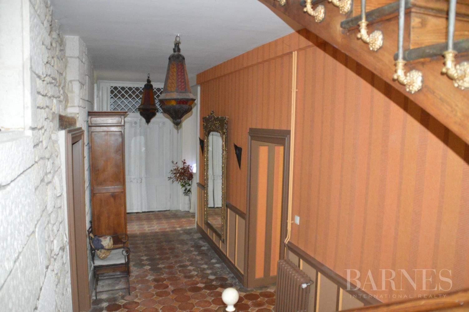 Niort  - Propriété 14 Pièces 8 Chambres - picture 12