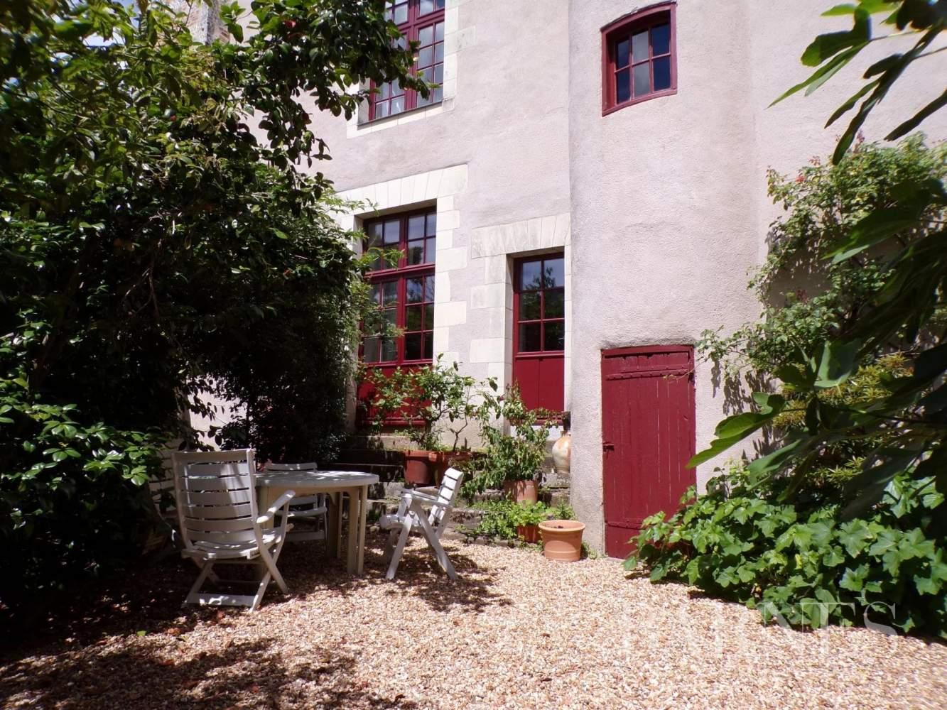 Beaupréau-en-Mauges  - Maison 15 Pièces - picture 4
