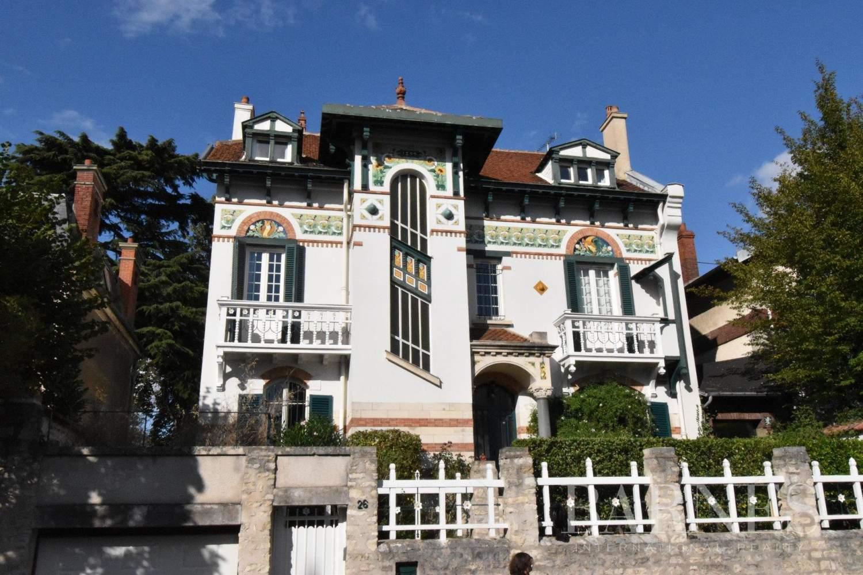 Mantes-la-Jolie  - Maison 10 Pièces 6 Chambres - picture 1
