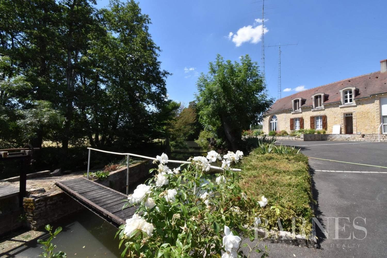 La Suze-sur-Sarthe  - Maison 6 Pièces 3 Chambres - picture 1