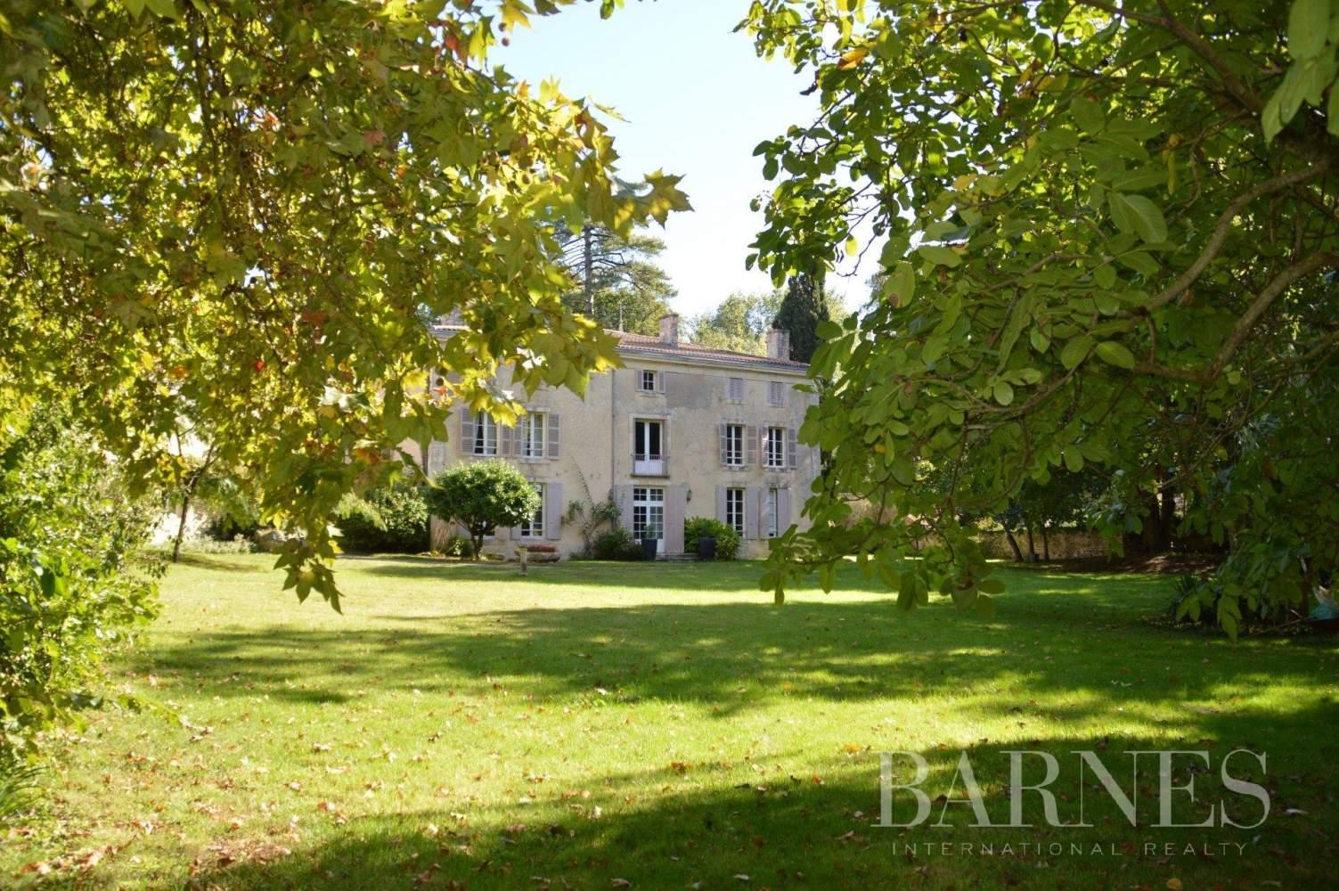 Niort  - Propriété 14 Pièces 8 Chambres - picture 3