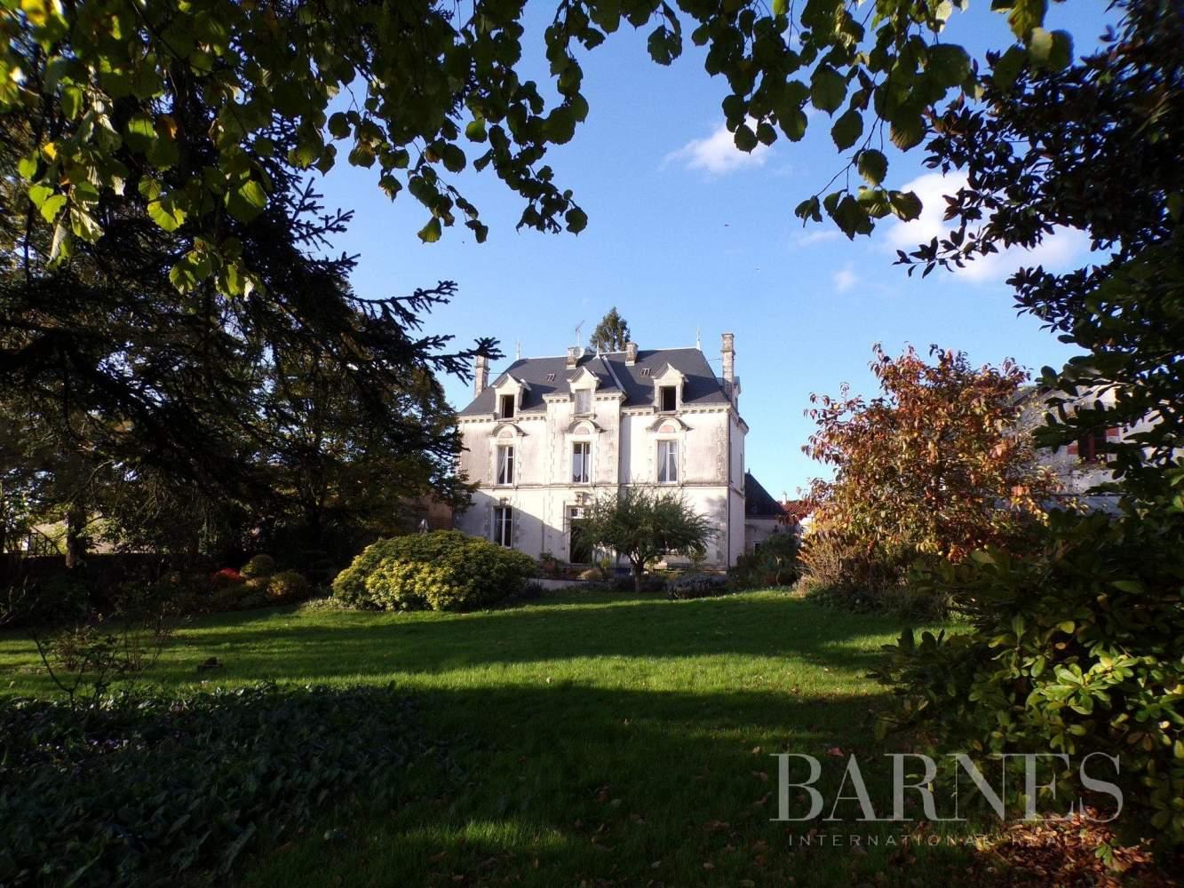 La Châtaigneraie  - Maison 10 Pièces - picture 1