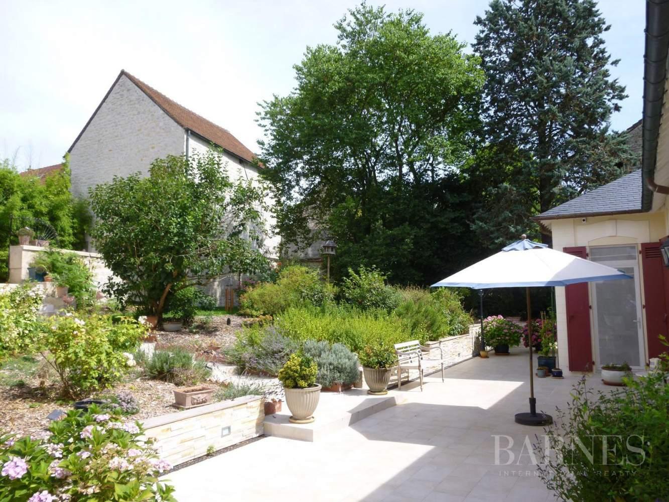 AUVERS SUR OISE  - Maison 8 Pièces 5 Chambres - picture 2