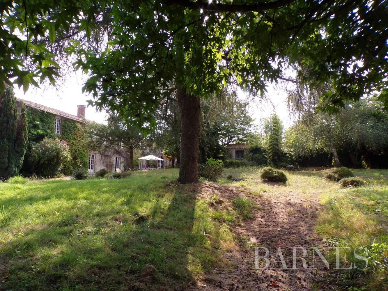 Challans  - Maison 16 Pièces 5 Chambres - picture 15