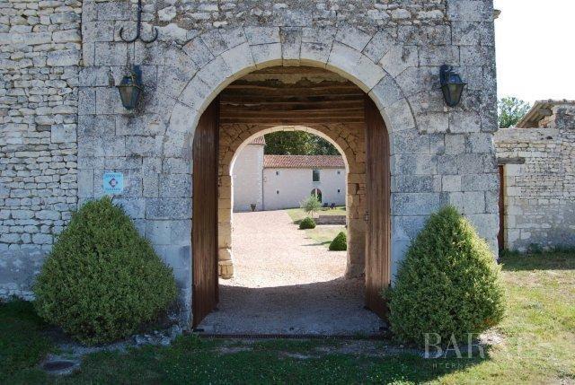 Thouars  - Señorío 15 Cuartos 10 Habitaciones - picture 4